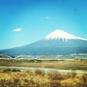 新幹線から見た富士山。とってもキレイでした。